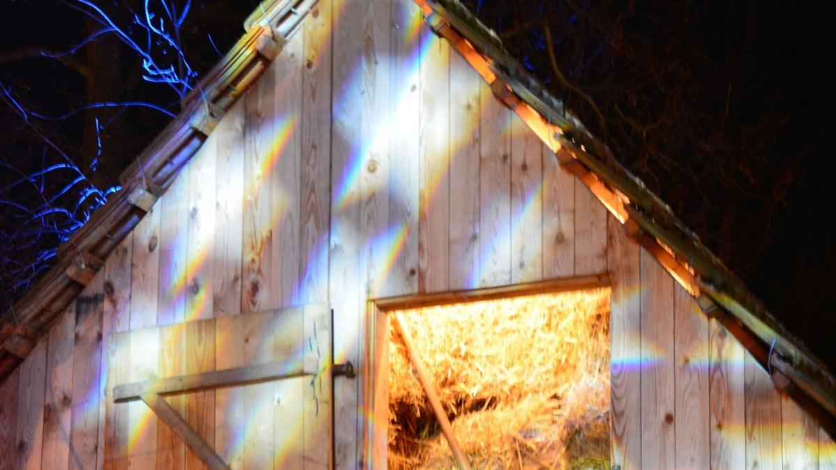 weihnachtlicher Heu-Dachboden