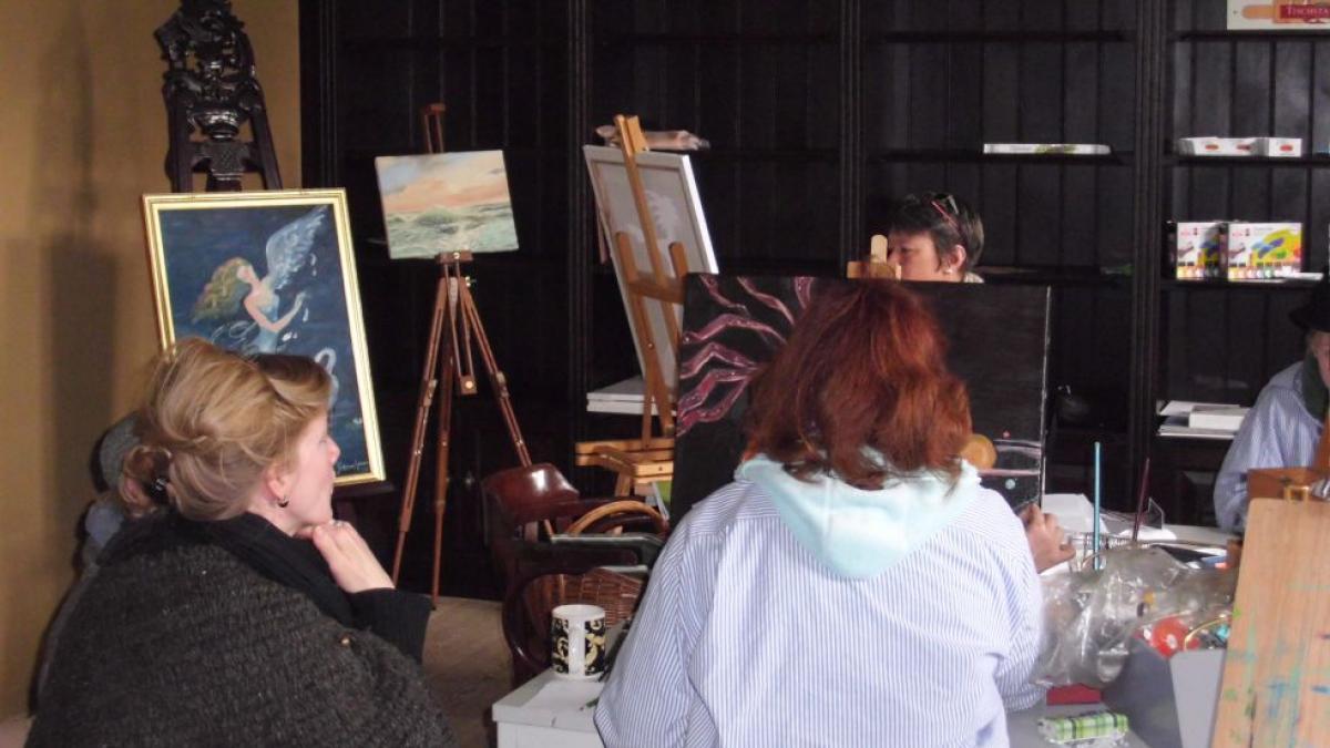 Die Künstler malen vor Ort