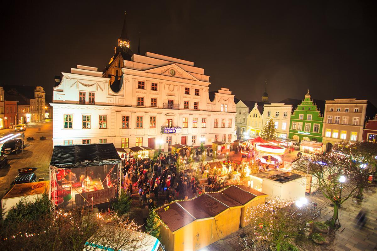 weihnachtsmarkt-guestrow-c-daniel-stohl_4